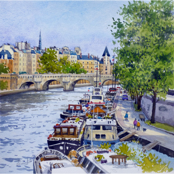 The boats on the Seine River in Paris
