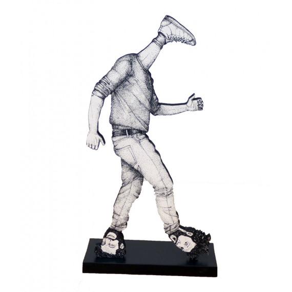 Sculpture - Marcher sur la tête